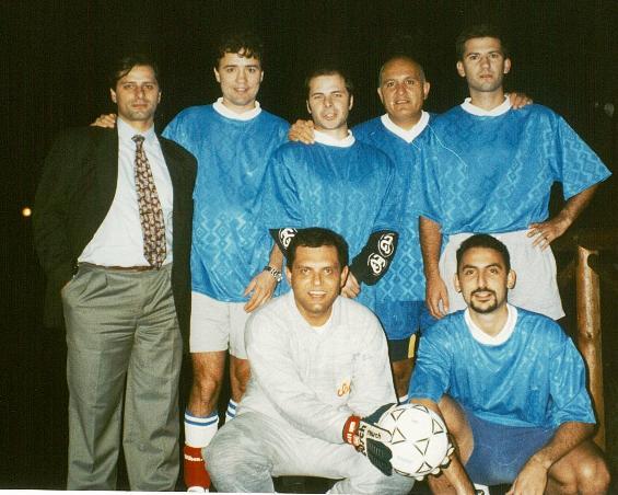 Giuseppe Caprotti secondo da sinistra